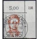 Mi. Nr. 833 Eckrand rechts oben zentrisch gestempelt