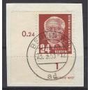 Mi. Nr. 324 im Eckrand links unten auf Briefstück